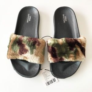Urban Outfitters Camo Camouflage Faux Fur Slides